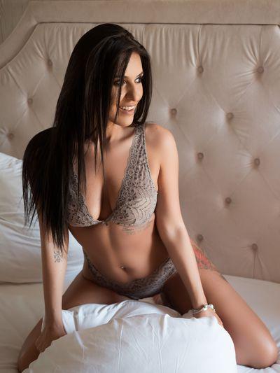 Abby Dagmaar - Escort Girl from Warren Michigan
