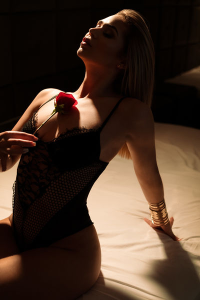 Blonde Escort in McKinney Texas