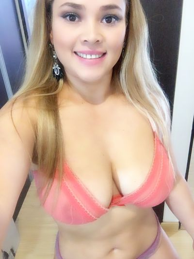 Nora Castillo - Escort Girl from Corpus Christi Texas