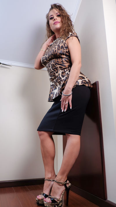 Sandra Miller - Escort Girl from Costa Mesa California