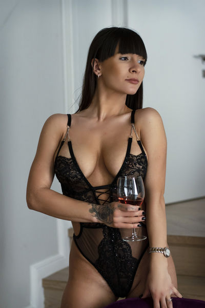 Connie Bond - Escort Girl from Washington District of Columbia