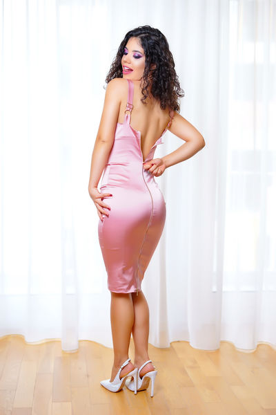 Julianne Ager - Escort Girl from Knoxville Tennessee