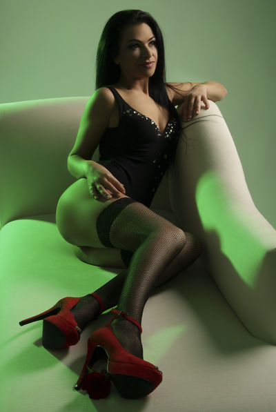 Maya Sage - Escort Girl from Columbus Ohio