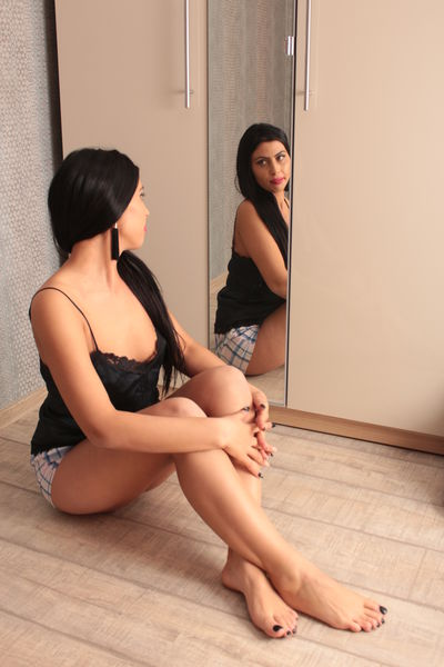 Amelia Lov - Escort Girl from Warren Michigan
