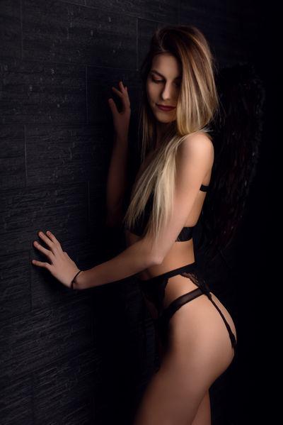 Annika Davys - Escort Girl from Columbus Ohio