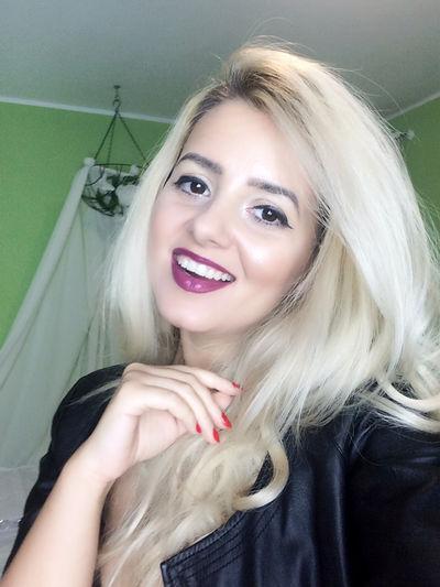 Blonde Zarina - Escort Girl from West Jordan Utah