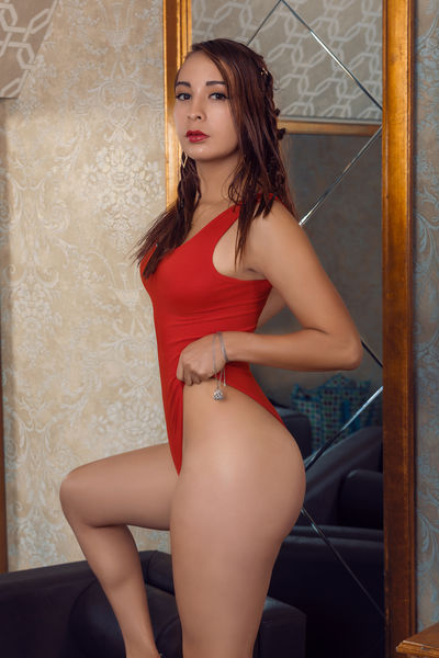 Charlotte Myer - Escort Girl from Corona California