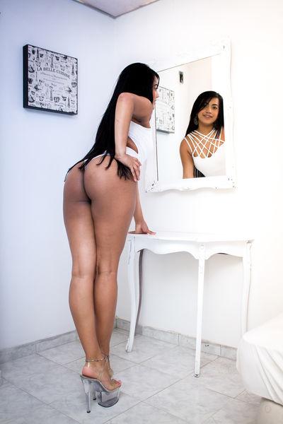 Dolcex Maria - Escort Girl from Costa Mesa California