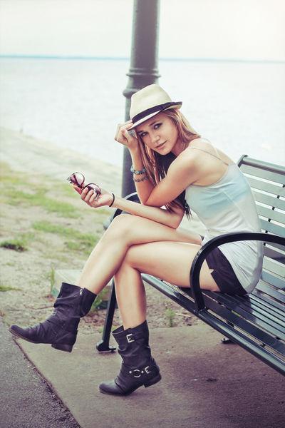 Emelia69 - Escort Girl from Corona California
