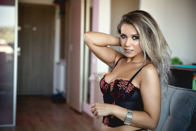 Ivy Thompson - Escort Girl from Costa Mesa California