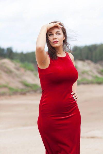 Kallie Singer - Escort Girl from Warren Michigan