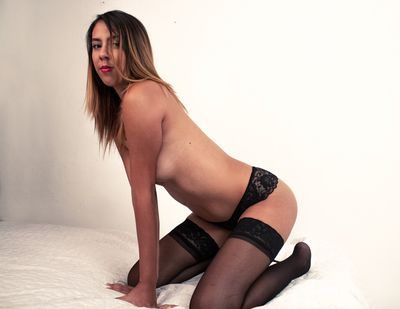 Kelly Simmons - Escort Girl from West Covina California