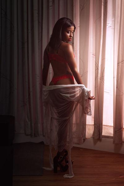 Kylie Fortes - Escort Girl from Warren Michigan