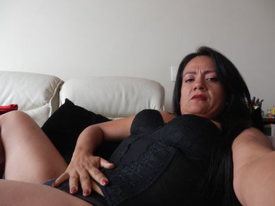 Pacific Islander Escort in St. Louis Missouri