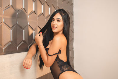 Latina Escort in Hillsboro Oregon