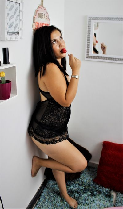 Mia Palmira - Escort Girl from West Covina California
