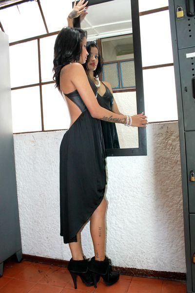 UVITA - Escort Girl from Corona California