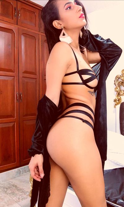Pacific Islander Escort in Pembroke Pines Florida