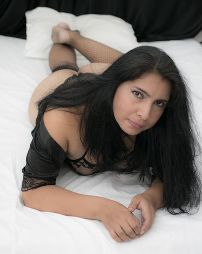 Super Busty Escort in Naperville Illinois