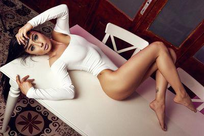 Zenyda Belluci - Escort Girl from Warren Michigan